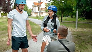 HUNT4K. Sexy roller skater needs money and is ready to fuck
