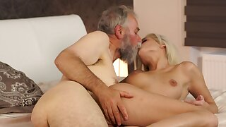 Blonde cutie gives cunt to future father-in-law for scoring