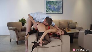 Addictive cam sex with a sensual woman in love with harsh fucking
