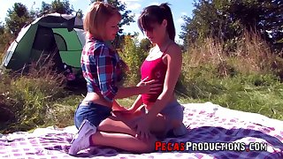Obsessed with sex babe Lea Queen seduces lesbian girlfriend on a piece of cake