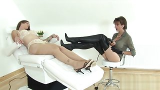 Unfaithful english milf lady sonia flashes her large tits