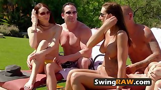 Swingers find the perfect couple to make the plumper swap