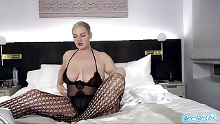 CamSoda - Babe with big ass and tits fingers her pussy